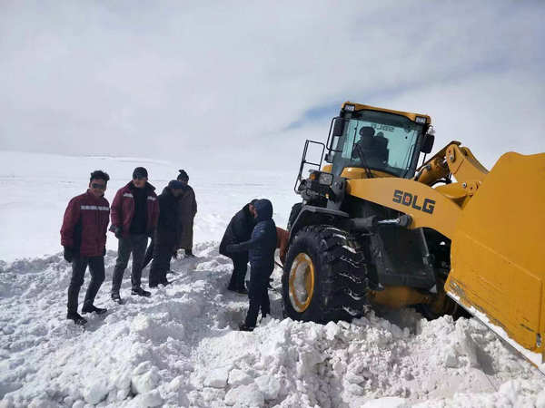 SDLG Helped Alleviate Snow Disaster——SDLG & Qingdao Guanghui